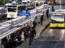 السيارات الخاصة ملاذ آمن.. تراجع حاد في استخدام المواصلات العامة بإسطنبول