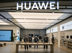 وزير الخارجية الأمريكي يحرض على شركة هواوي الصينية