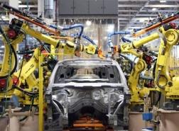 العمل الدولية: ضربة ثلاثية لصناعة السيارات في العالم