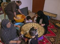كورونا يعيد رائحة حلويات العيد إلى البيوت التونسية