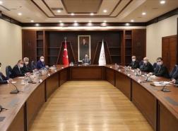 ألبيرق يجتمع بالمدراء العامين لبعض البنوك في تركيا