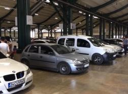 إعادة فتح سوق السيارات المستعملة في بورصة.. والأسعار تجذب الانتباه