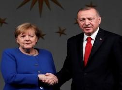 أردوغان يبحث مع ميركل تطوير العلاقات الاقتصادية والسياحية
