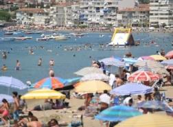 خبير تركي يحذّر العائدين من عطلة العيد: راقبوا أنفسكم لمدة 14 يومًا