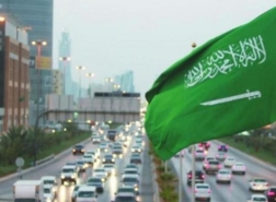 السعودية ترفع قيود المغادرة والعودة للمملكة وتضع خطة لاستئناف العمرة