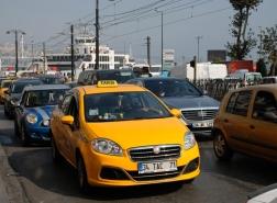 بشرى للسائحين الأجانب.. مطلوب من سائقي الأجرة في إسطنبول إجادة الانجليزية