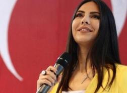 صور.. حزن كبير على وفاة المذيعة التركية الشابة ديلاي كيمير