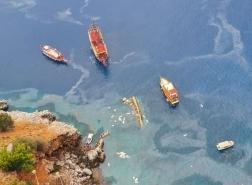 صور.. وفاة سائح وإنقاذ 37 آخرين في انقلاب القارب السياحي بجنوب تركيا