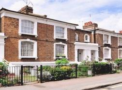أسعار المنازل البريطانية ترتفع بوتيرة سريعة