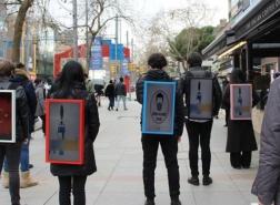 صور// مهنة جديدة في إسطنبول.. المشي 5 ساعات مقابل 300 ليرة