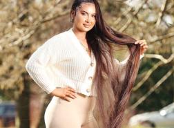 سيدة بريطانية لم تقص شعرها منذ 13 عاما.. كم بلغ طوله؟