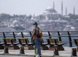 أكبر جمعية طبية في تركيا تطالب بتشديد القيود: نواجه تسونامي