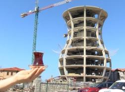 بالصور.. تركيا تبني أكبر كأس شاي في العالم
