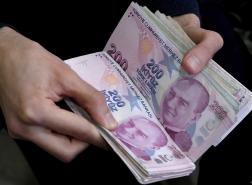 تراجع الليرة التركية مع تنامي مخاوف المستثمرين