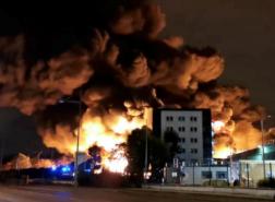 حريق هائل يلتهم مصنعا تاريخيا في سانت بطرسبرغ
