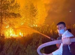 شاهد..مشاركة الشيف التركي صاحب الشعبية الواسعة في عمليات الإطفاء