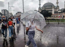 شاهد بالصور.. أمطار غزيرة في إسطنبول