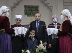 أردوغان يفتتح مسجدا تاريخيا في البوسنة