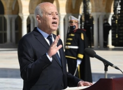الرئيس التونسي يتوعد محتكري السلع والخدمات: سيدفعون الثمن غاليا