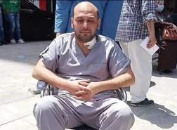 بعد أن فقد بصره بسبب كورونا.. طبيب مصري يهدد بالانتحار