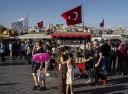 ارتفاع توقعات التضخم في تركيا.. كم سيبلغ سعر صرف الليرة بنهاية العام؟