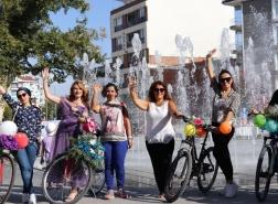 تركيات يحتفلن بـاليوم العالمي للمدن بدون سيارات (صور)