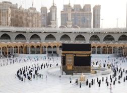 قرار من السعودية بشأن منح تصاريح العمرة والصلاة في الحرمين