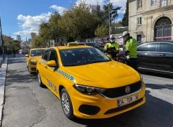 سائقو سيارات الأجرة في إسطنبول يواجهون الحظر والغرامات