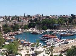 أنطاليا التركية تستقبل 77 ألف سائح في عطلة نهاية كل أسبوع