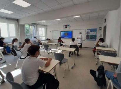 التعليم التركية تؤجل العودة للمدارس ليوم واحد