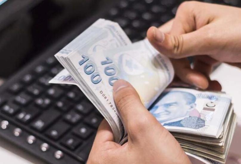حصلت كل أسرة على مبلغ ألف ليرة تركية-صورة تعبيرية