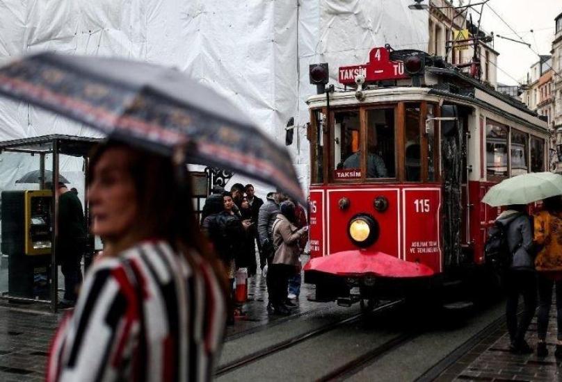 شارع الاستقلال في تقسيم وسط اسطنبول - أرشيف
