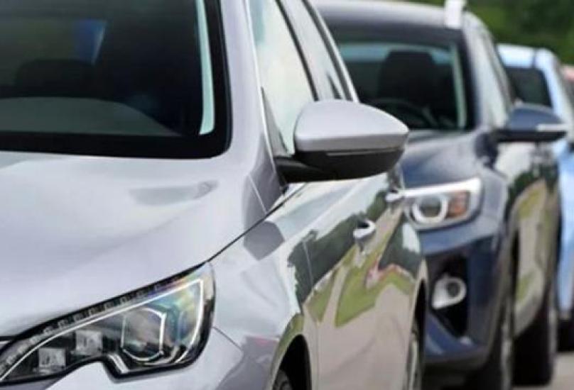 سينجم عن اندماج شركتي بيجو اس آ وفيات كرايسلرتشكيل رابع أكبر مجموعة لتصنيع السيارات في العالم