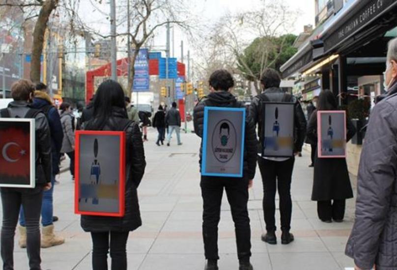 يتم الترويج للعلامات التجارية عن طريق المشي لمدة 5 ساعات تقريبًا