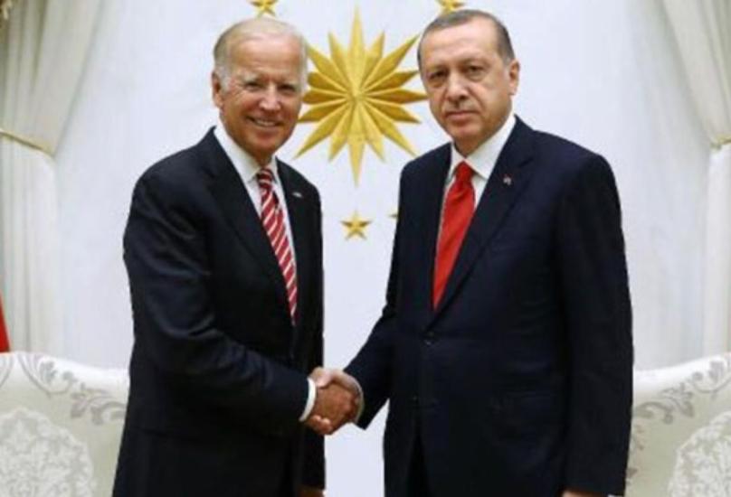لقاء سابق بين الرئيس التركي ونظيره الأمريكي بايدن