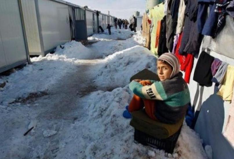 معاناة اللاجئين السوريين تتزايد بعد عقد من الصراع