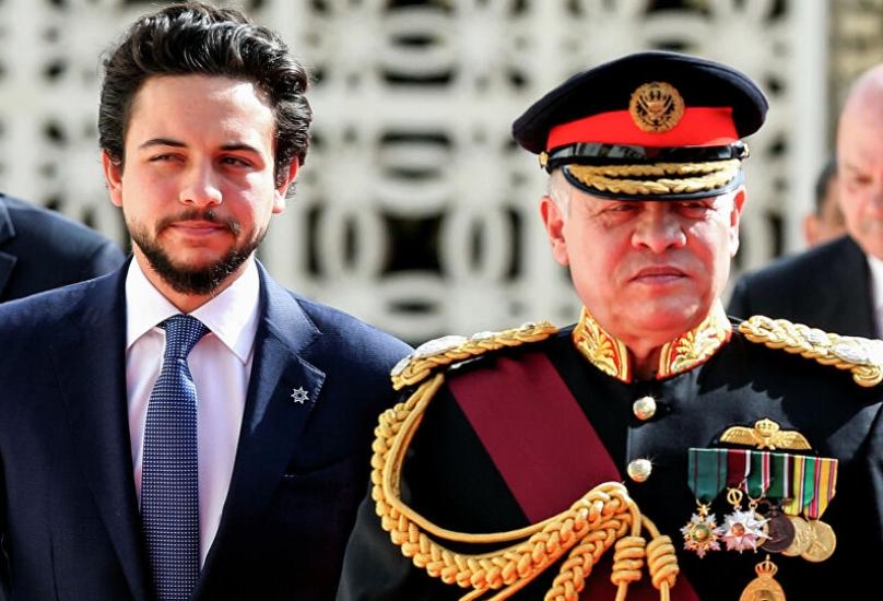 العاهل الأردن الملك عبد الثاني وولي عهده ابنه حسين