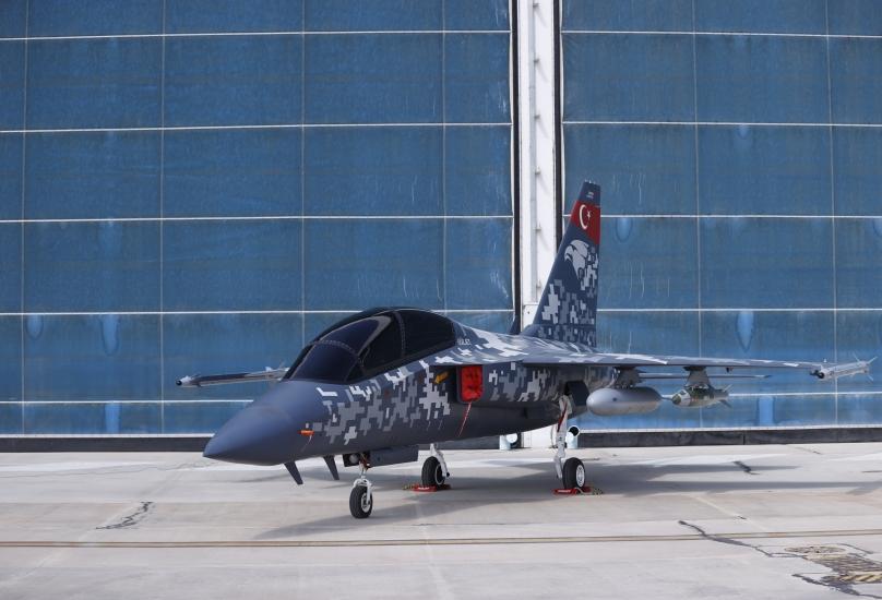 نموذج لطائرة التدريب النفاثة المتطورة والطائرة الهجومية الخفيفة Hürjet