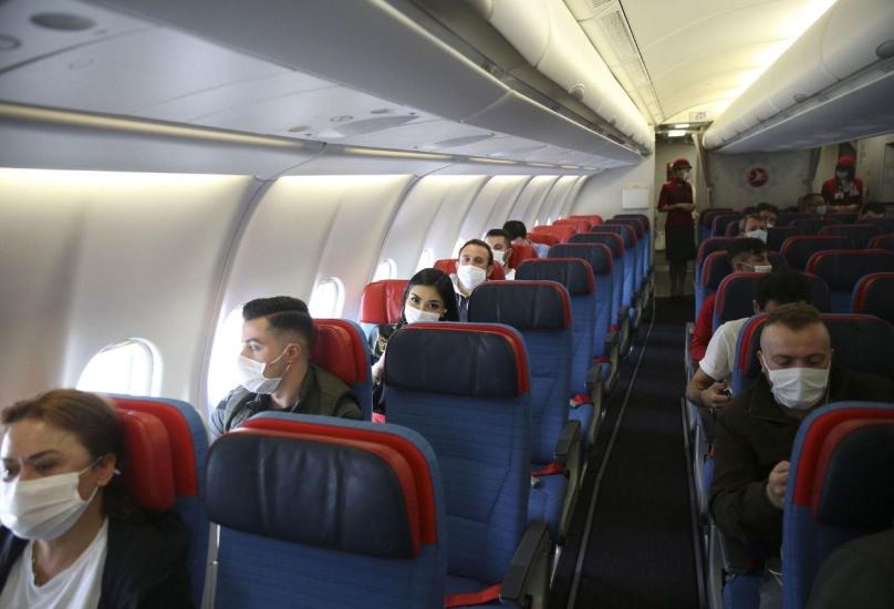مسافرون على متن الخطوط الجوية التركية-أرشيفية