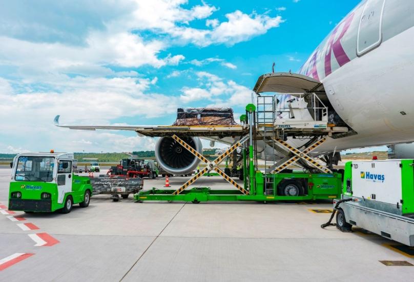 تقدم هافاش خدمات الشحن والتخزين للخطوط القطرية في عدة مطارات بتركيا