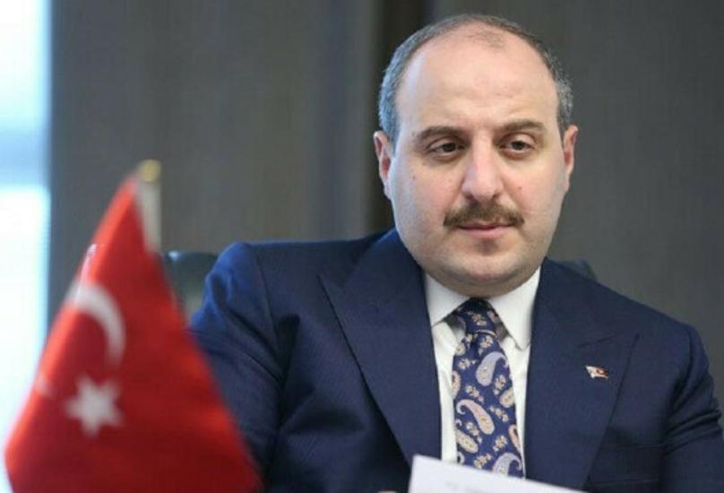 وزير الصناعة والتكنولوجيا مصطفى ورانك