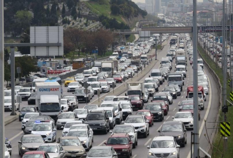 حركة نزوح كثيفة من المدن الكبرى في تركيا قبل سريان الإغلاق الشامل لـ17 يوما