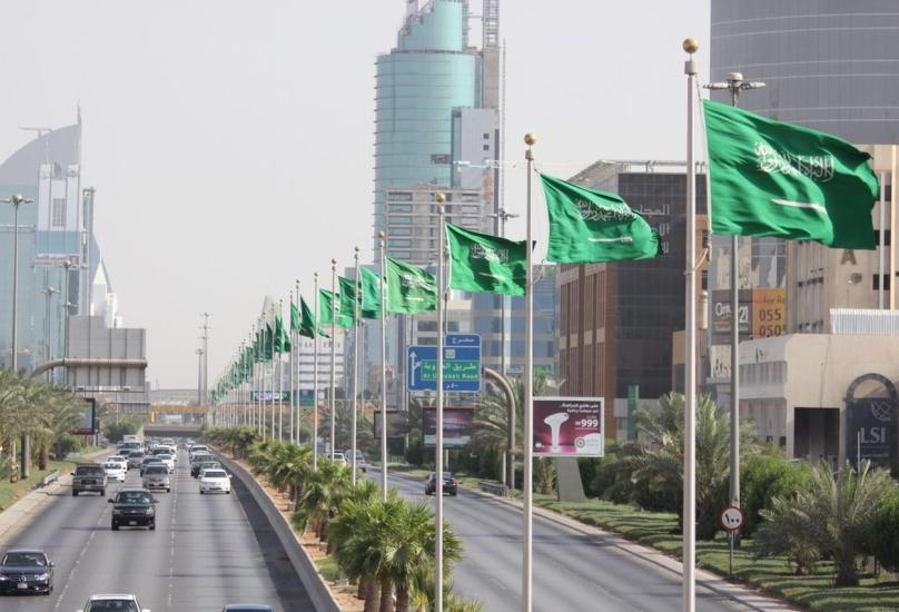 السعودية ستفتح السفر الدولي بعد عام من الإغلاق