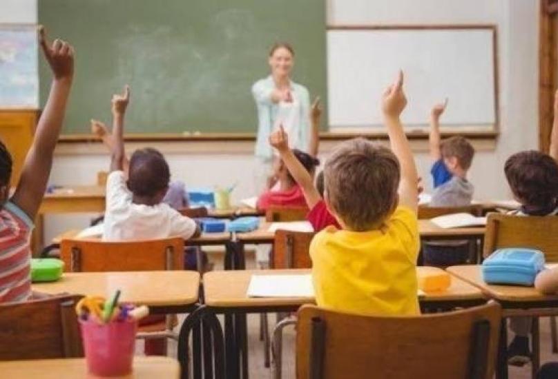 التعليم سيبدأ يوم الاثنين 17 مايو عن بعد في كافة المراحل الدراسية