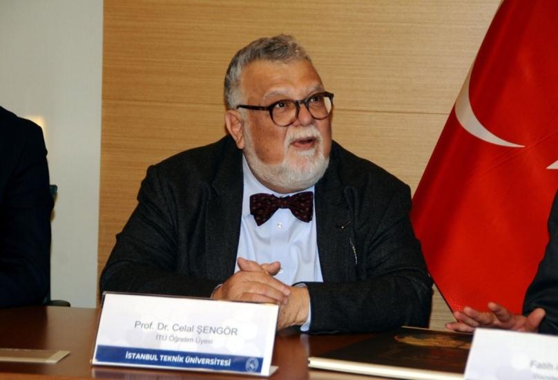 البروفيسور جلال شينغور يعرف بإثارته للجدل الواسع في تركيا