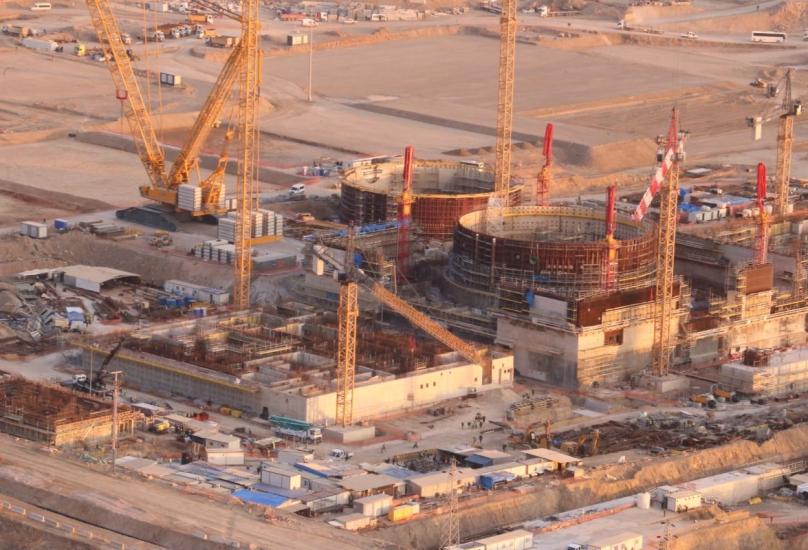 موقع بناء في محطة أكويو للطاقة النووية في مرسين جنوب تركيا